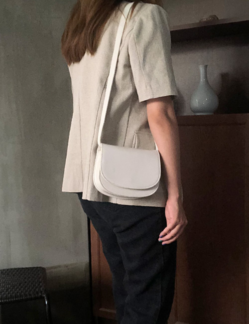 The toast shoulder bag